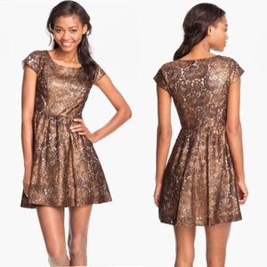 Metallic Lace Kensie Dress